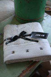 """heerlijk zacht handdoekje met studs """"Foggy grey"""""""