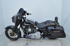 2016 Harley-Davidson Touring Street Glide® Special - FLHXS - BLACK (15704)