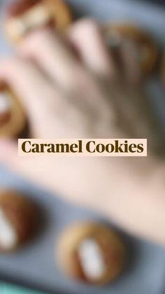 Caramel Candy, Caramel Cookies, Biscuit Cookies, Shortbread Cookies, Dessert Bars, Dessert Table, Sheera Recipe, Cookie Recipes, Dessert Recipes