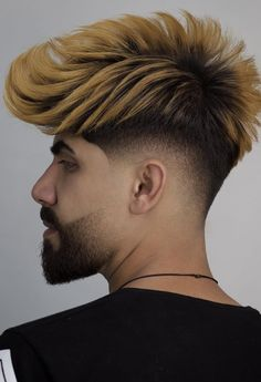 17 Viral Haircuts Men Should Definitely To Copy In 2019 Colored Hair Fade Haircut For Boys Young Men Haircuts, Young Mens Hairstyles, Faux Hawk Hairstyles, Haircuts For Medium Hair, Hot Haircuts, Celebrity Hairstyles, Hairstyles Haircuts, Latest Hairstyles, Mens Hair Colour