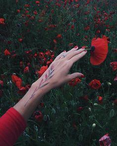 Pissaro tattoos Tattoo On, Grey Tattoo, Color Tattoo, Wrist Tattoos For Women, Symbolic Tattoos, Black Pattern, Small Tattoos, Cute Girls