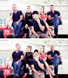 Arrow cast #SDCC