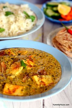 Pressed cottage cheese (substitute tofu for a vegan version) in a garlic-coconut milk curry. Served with Naan or Basmati/Jasmine rice