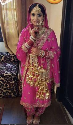 Sikh Bride, Sikh Wedding, Pakistani Wedding Dresses, Princess Wedding Dresses, Best Wedding Dresses, Wedding Suits, Farm Wedding, Wedding Couples, Boho Wedding