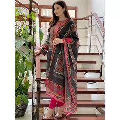 Black rayon cotton digital printed work salwar suit Anarkali Lehenga, Lehenga Suit, Bollywood Lehenga, Lehenga Style, Party Wear Lehenga, Pakistani Girl, Pakistani Dress Design, Pakistani Suits, Pakistani Dresses