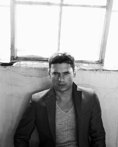 Wentworth Miller | THE GL▲MOURATI