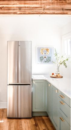5 Reasons We Chose Compact Appliances For a Midsize Kitchen Reno Small Dishwasher, Compact Dishwasher, Small Refrigerator, Compact Kitchen, Kitchen Appliance Storage, Kitchen Organisation, Bag Organization, Update Kitchen Cabinets, Small Fridges