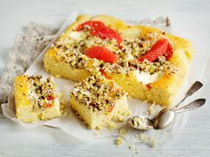 Veriappelsiini-rahkapiirakka Krispie Treats, Rice Krispies, Camembert Cheese, Cheesecake, Baking, Sweet, Desserts, Food, Kite