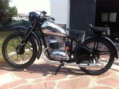 Catawiki online auction house: CZ 125T - 1948 Vintage Cycles, Vintage Bikes, Vintage Looks, Trailers, Restoration, Motorcycles, Auction, House, Antique Bicycles