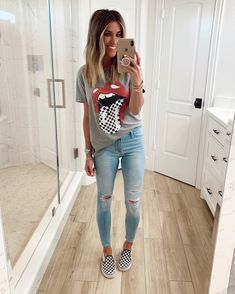 Summer Outfits For Moms, Casual Outfits For Moms, Cute Outfits With Jeans, Outfit Jeans, Teen Fashion Outfits, Look Fashion, Trendy Outfits, Fall Outfits, Casual Shorts