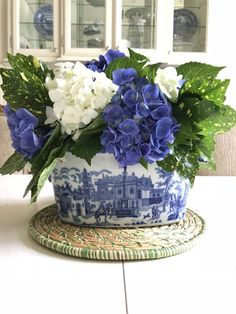 Ideas Flowers Arrangements Blue And White Vases Beautiful Flower Arrangements, Floral Arrangements, Beautiful Flowers, Blue And White Vase, White Vases, Deco Floral, Floral Design, Blue Hydrangea, White Hydrangeas