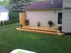 Low deck with privacy fence
