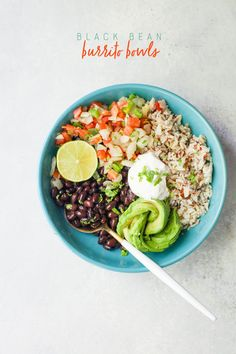 Start with one bag of dried beans cooked into Seasoned Black Beans, then turn them into 3 recipes - quesadillas, salsa, and burrito bowls! Entree Recipes, Healthy Recipes, Meatless Recipes, Lunch Recipes, Black Bean Burrito, Pulses Recipes, Cooking Dried Beans, Vegan Dishes, International Recipes
