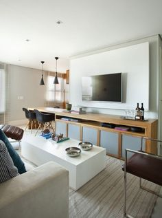 Lar de solteira ganha mais espaço com soluções simples - Casa Vogue | Apartamentos
