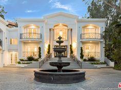 Classic House Exterior, Classic House Design, Modern Exterior House Designs, Dream House Exterior, Dream Home Design, Modern House Design, House Outside Design, House Front Design, Beautiful House Plans