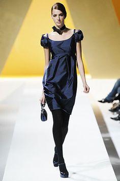 Moschino Fall 2007 Ready-to-Wear Fashion Show - Emina Cunmulaj