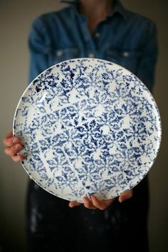 """White and blue plate for cheese, sushi, cake, apple pie... Porcelain Height : approx. 0,5"""" Diameter: approx. 12"""" **Microwave, oven and dishwasher safe, although a gentle hand wash would be more approp"""