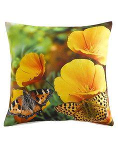 Digitaldruck-Kissenhülle. Mit schönem Blüten- und Schmetterlings-Motiv. Rückseite uni. Mit Reißverschluss. Materialzusammensetzung: Obermaterial: 100% Polyester...