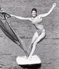 Erin Moran Joanie And Chachi, Erin Moran, High Quality Images, Rock Bands, Swimming, Teen, In This Moment, Statue, Smoking