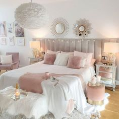 Pink Bedroom Decor, Bedroom Decor For Teen Girls, Cute Bedroom Ideas, Room Ideas Bedroom, Pink Teen Bedrooms, Teenage Bedroom Decorations, Light Pink Bedrooms, Small Girls Bedrooms, Gold Room Decor
