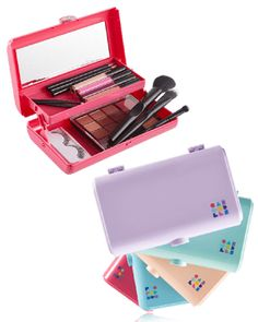 Caboodles Is Back in Portable Peach & Seafoam - Slutty Raver Costumes Traveling Cna, Rose Gold Stationery, Makeup Case, Makeup Stuff, Makeup Caboodle, Road Trip With Dog, Shimmer Lip Gloss, Elf On The Self, Diy Barbie Clothes