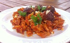 keftedesGiouvetsi Orzo Pasta Recipes, Pasta Dishes, Meze Platter, Greek Meatballs, Greek Cooking, Greek Dishes, Canned Tomato Sauce, Easy Chicken Recipes, Meat Recipes