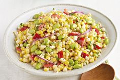 Fire up the grill for this grilled corn edamame Salad! Our Edamame & Grilled Corn Salad is a great side dish to bring to cookouts and parties. Corn Salad Recipes, Corn Salads, Vegetable Recipes, Easy Salads, Vegetable Salads, Veggie Meals, Veggie Dishes, Healthy Salads, Healthy Eating