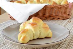 przepis na rogaliki drożdżowe Bread, Cheese, Food, Meal, Brot, Breads, Hoods, Baking, Bakeries
