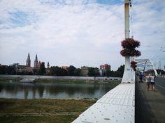 Barangolj velem! Vár a napfényes Szeged! Cn Tower, Building, Travel, Construction, Trips, Traveling, Tourism, Architectural Engineering, Outdoor Travel