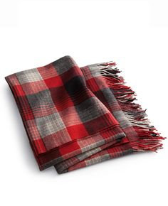 Inspired by a vintage blanket from the Ralph Lauren Library and is woven from yarn-dyed wool in a rich plaid pattern