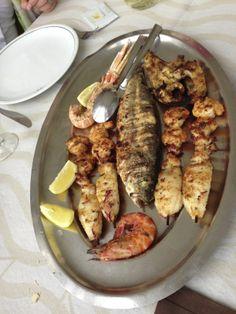 Gegrillter gemischter Fisch