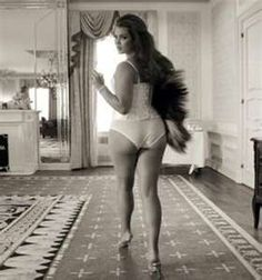 ... VOGUE ITALIA'S NEW CURVY & PLUS SIZE MODELS AKA THICK GIRLS ISSUE