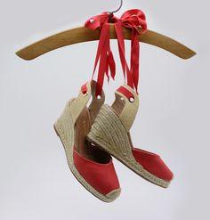 Espadrilles – salto alto – anabela – heels – sapato aberto – sapato com fita – cores – vermelho - red - Verão 2016 – Ref. 15-14007