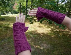 Rose's Bad Wolf Bay Fingerless Gloves by pj at craftylilthing.