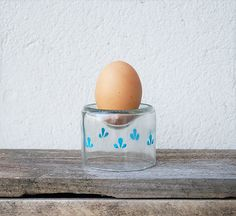 DIY, upcycling: eggcups made out of bottles (english and german)