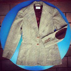 #Giacca foderata, #tessuto #tweed misto lana, #bottoni importanti con effetto finta pelle 43 euro!