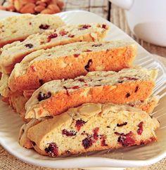 biscuiti-italienesti Good Food, Yummy Food, Romanian Food, Biscuit Recipe, Sweet Cakes, Dessert Recipes, Desserts, Cravings, Foodies