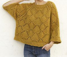 Large sweater knitted from a thick yarn Golden Fall / DROPS – Kostenlose Strickanleitungen von DROPS Design koshkaKoko knit – Sarah – Tricot Pontos Ideas – Tricot Pontos Quick Sweater Knitting Patterns Simple Bonjour Hi Cowl Free Knitting Pattern … Circular Knitting Patterns, Sweater Knitting Patterns, Knitting Designs, Knit Patterns, Chunky Crochet, Crochet Yarn, Thick Yarn, Knitting Wool, Knitting Needles