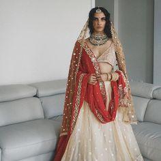 B Fashion, Indian Fashion Dresses, Indian Outfits, Fashion Outfits, Bridal Fashion, Indian Aesthetic, Shadi Dresses, Bridal Lehenga Collection, Desi Clothes