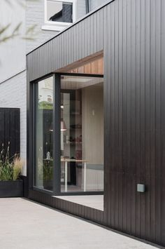 Charcoal House · Architecture & Design in Hackney Charcoal House - Blackened Timber Extension Black Cladding, Timber Cladding, Exterior Cladding, House Extension Design, Extension Designs, House Design, Brick Extension, House Cladding, Facade House