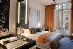 Image from http://www.2luxury2.com/wp-content/uploads/2012/03/Guestroom_W-Paris-Opera-Paris-Luxury-Hotel.jpg.