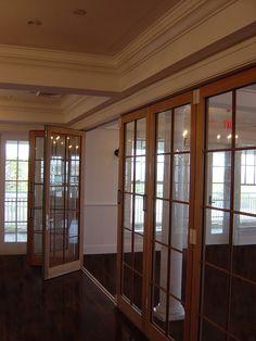 Accordion doors interior astbury oak glazed internal for Folding walls residential