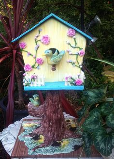 - Bird house cake  taught by Susan Carberry at Latorta in Canberra, ACT.  Made by Cheryl Signature Cakes