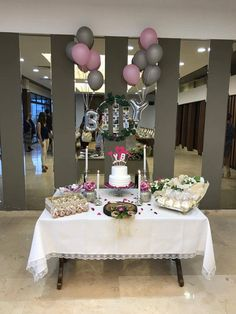 Bedroom Decor, Table Decorations, Engagement, Wedding Dresses, Home Decor, Mesas, Bride Dresses, Bridal Gowns, Decoration Home