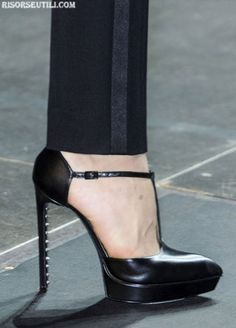 Fashion Shoes for Women 2013 | ... 2013 for women - Image: Yves Saint Laurent fashion shoes collection