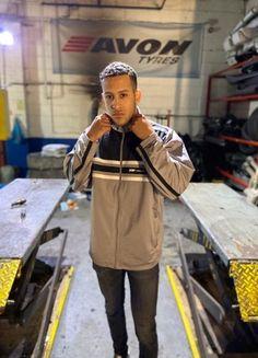 Vintage Reebok Oversized Track Jacket // Mens Size L // Grey + Black Flip Flop Slippers, Cropped Trousers, Jean Shirts, Sport Wear, Gray Jacket, American Apparel, Reebok, Kids Outfits, Track