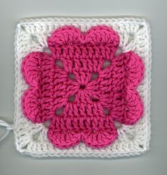 "Free pattern for ""4 Hearts Square""(ice cream & cupcakes too)!"