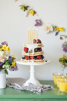 How to make a birthday pancake AND that beautiful floral garland behind it