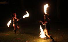 Pyrotechnie et spectacle de feu, nous vous conseillerons les meilleures performeuses !!! @musicqualite