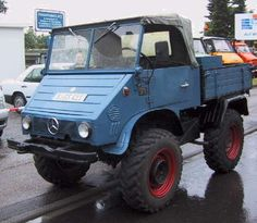 We specialize in classic Mercedes Benz Unimogs, including the Unimog 406 and 416 models, among others. We ship custom-ordered Unimogs and Unimog offroad parts, like Werner winches and PTO's. Mercedes Camper, Mercedes Benz Unimog, Mercedes G, Classic Mercedes, Jeep Truck, Truck Camper, Mercedes Benz Germany, Universal Motor, Daimler Benz